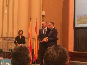 Carmelo Bosque ha sido galardonado con la Placa al Mérito Turístico