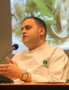 Raúl Pérez Roldán,chef del restaurante Gayarre, inicia el ciclo «25 recetas aragonesas con historia»
